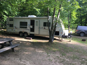 JAYCO JAY FEATHER LGT 27P ULTRA LITE TRAVEL TRAILER