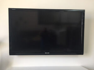 """Sharp - AQUOS / 60""""- LC60E78UN - **For Parts Only**"""