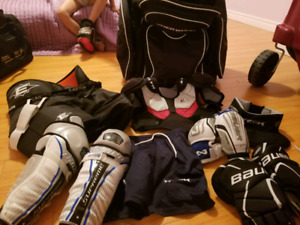 Hockey gear set for 7-9 years old