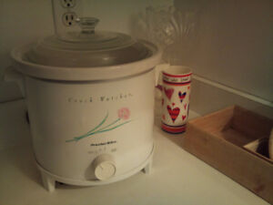 Proctor Silex Crock Pot with Auto-Shift - Like New!