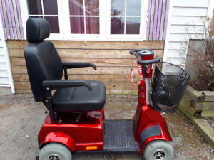 4 Wheel Scooter In Excellent Condition For Sale