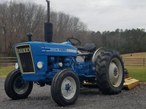 FORD 3600 DIESEL TRACTOR WITH LOADER/BRUSH HOG