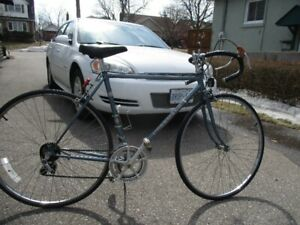 baycrest hurricane road Bike EXCELLENT SHAPE