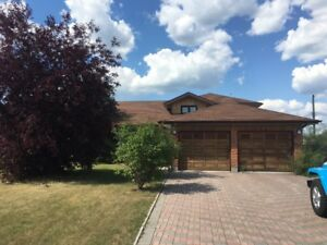 UPSCALE HOME ON QUIET STREET FOR RENT