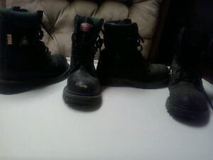 2 pairs of safety boots