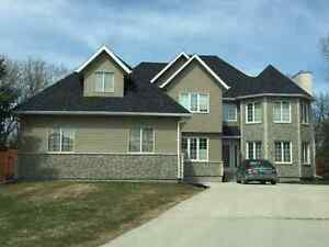 Gorgeous 2902 Sq Ft House For Sale - Charleswood