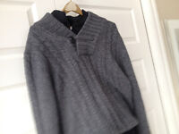 Kenneth Cole Cowl Neck sweater medium