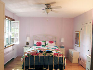 Belle grande chambre - Lovely large room - Sept.