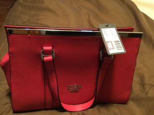 Brand New Pink Guess Purse, tags still attached
