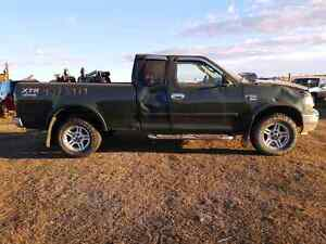 PARTING OUT / WRECKING: 2003 F150 4X4 ** PARTS **