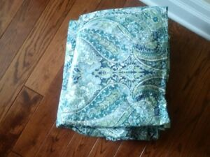 POTTERY BARN DUVET COVER, AND SHAMS. MINT CONDITION!