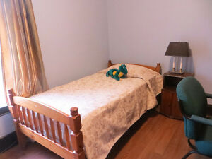 ROOM AVAILABLE FOR FEMALE STUDENT