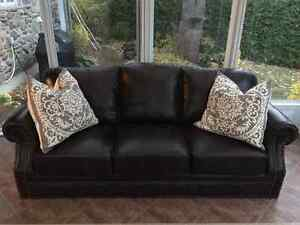 Faux leather couch (3 seats and loveseat)divan simili cuir brun