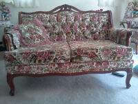 Beautiful Valentino of Montreal Classic Living Room Set