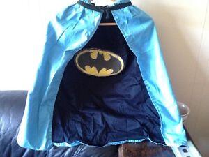 Reversible Batman/Superman Cape