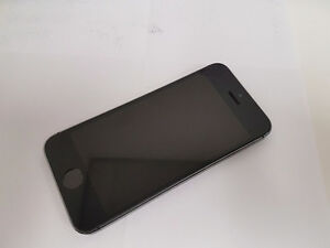iPhone 5s 16GB space grey- locked to Bell Mobility