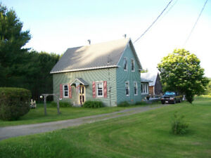 FARM HOUSE BARNS & 11 ACRES 22km to Brookside Mall