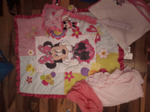 Ensemble pour bassinette minie mouse