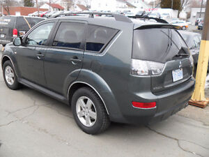 2009 Mitsubishi Outlander ALL WHEEL DRIVE SUV, @$4400.