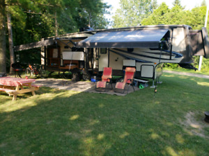 2014 Sunset Trail by Crossroads 5th Wheel, asking $37,500 OBO