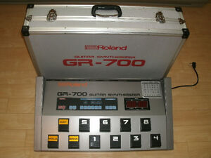 VINTAGE 1980's ROLAND GR-700 GUITAR SYNTHESIZER PEDAL