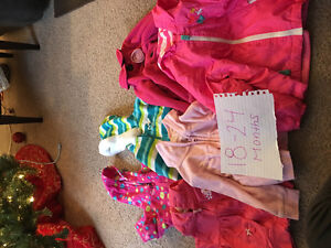 Tons of girl clothes London Ontario image 5