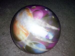 2 HOLE Bowling Balls. Good Condition London Ontario image 4