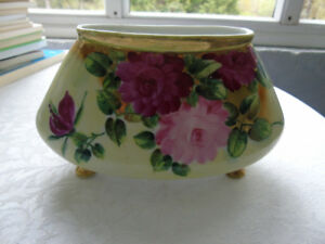 VINTAGE FOOTED  VASE WITH ROSES
