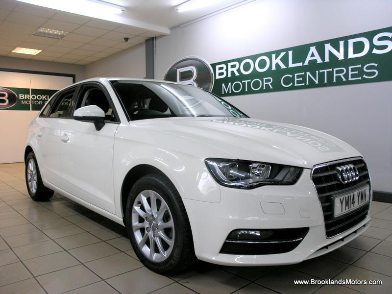Audi A3 1.6 TDI SE S TRONIC SB [2X AUDI SERVICES, ?20 ROAD TAX and DAB RADIO]