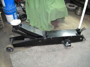 Heavy Duty 5 Ton  Floor Jack Kitchener / Waterloo Kitchener Area image 1