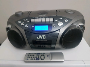 JVC Pprtable Boombox 3-in-1 with remote control!