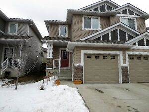 Half Duplex...Walk to Walmart & other Shopping in Tamarack, EDM