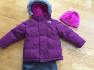 Habit de neige NORTH FACE + tuque gr : 3 ans