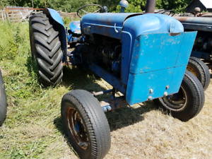 2 Fordson Majors tractors - estate sale