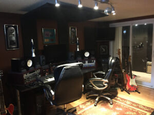 Looking for an engineer (track builder, mixer) for my studio.