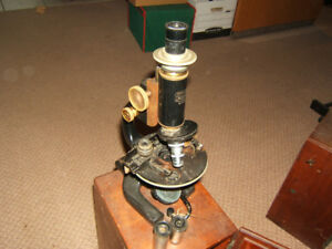Antique 1920's Spencer Buffalo Microscope 3 objectives and Case