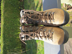 Scarpa (Planting) Boots
