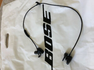 Bose earphones for sale just bought 2 days ago