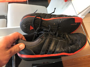 Addidas indoor soccer shoes 10US