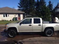 2004 GMC Canyon with only 136,000km!