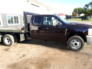 2008 Silverado 4x4 3500 dually ONLY 64000KM