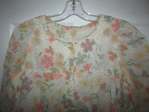 VINTAGE Flocked Floral Lined Long Nightgown Gatineau Ottawa / Gatineau Area image 2