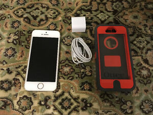 IPHONE 5S GOLD 16GB IN GOOD  CONDITION WITH OTTER CASE
