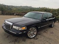 Lincoln town car 4.6 petrol 24k Mailige this car is not registered in U.K.