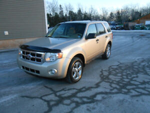 2010 FORD ESCAPE 5 DOOR XLT SUV, 2 YEAR WARRANTY INCLUDED