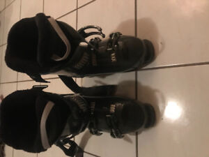Brand new ski boots. Size 8 used once