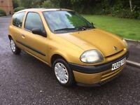 Renault clio 1.2 mot Feb t:belt done drives great it's £300 no less