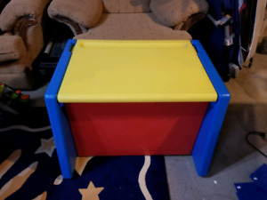 Fisher price toy box / chest covert to table