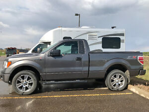 2014 Ford F-150 STX 4x4 in MINT condition!!!