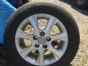5 ALL SEASON TIRES ON RIMS / EXCELLENT CONDITION